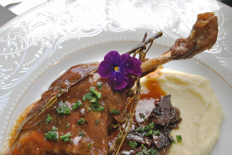 Bistro De Paris Restaurant Laval Cuisse De Dinde
