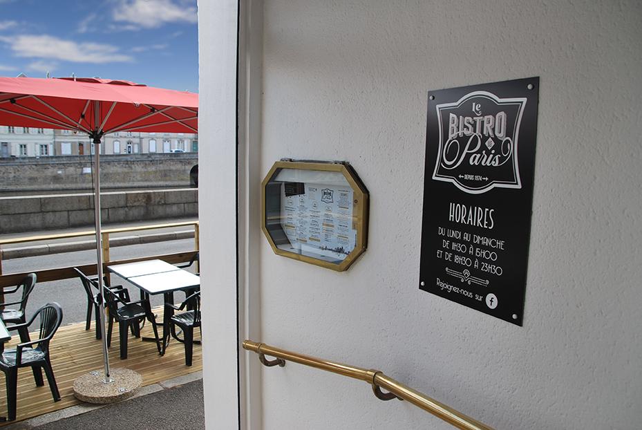 Bistro De Paris Restaurant Laval Entree Terrasse LBdP