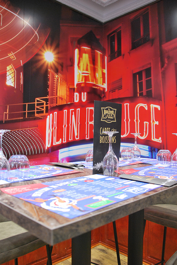 Bistro De Paris Restaurant Laval Salle Moulin Rouge