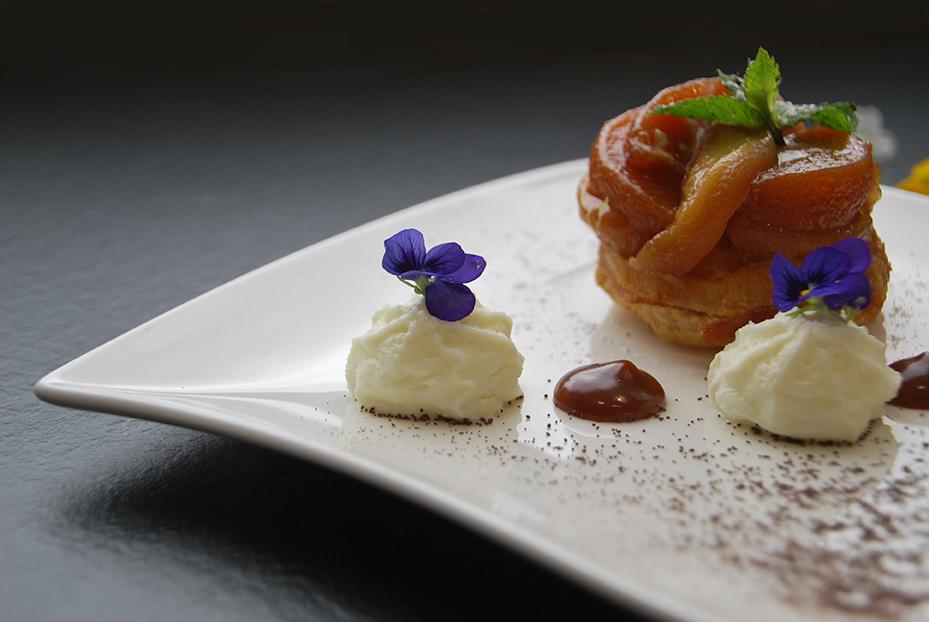 Bistro De Paris Restaurant Laval Tarte Tatin 1