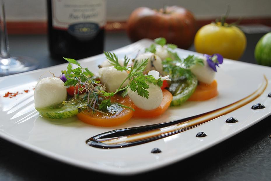 Bistro De Paris Restaurant Laval Tomates Mozza 1
